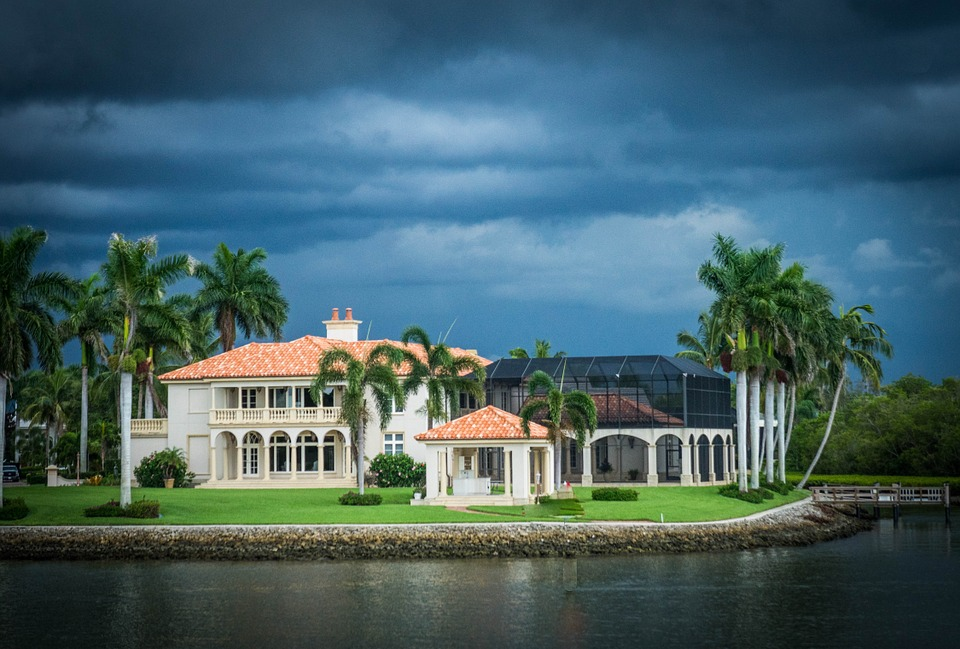 Snowbird to Do List: Protecting Your Winter Home from Hurricanes